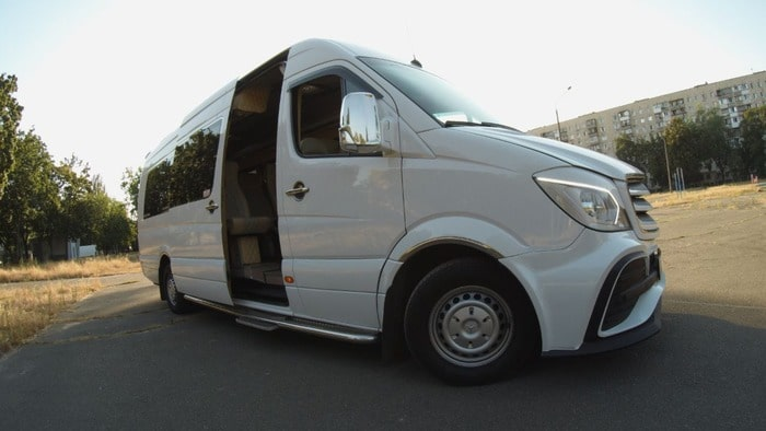 микроавтобус белый Мерседес Спринтер VIP 21 мест фото