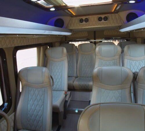 фото микроавтобус Мерседес Спринтер VIP 21 мест светлый кожаный салон фото