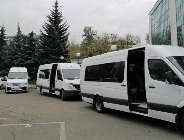 корпоративная развозка сотрудников микроавтобусами мерседес спринтер киев