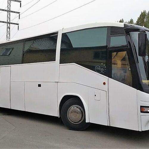 аренда автобуса мерседес О 404 50 мест белый