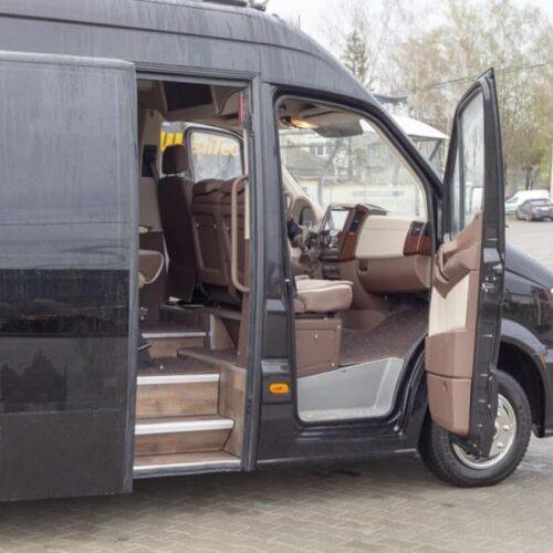 аренда микроавтобуса мерседес спринтер 24 мест черный