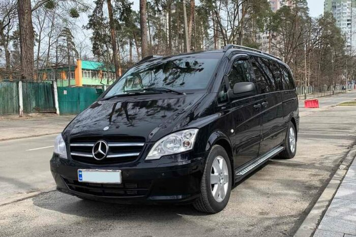 Mercedes Vito black