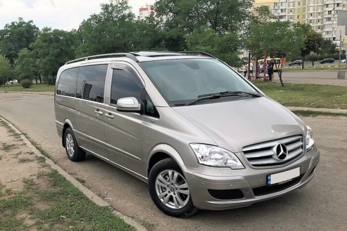 Mercedes Viano gray