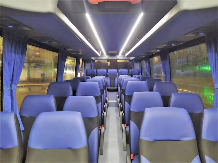 автобус ISUZU 30 мест фото салона
