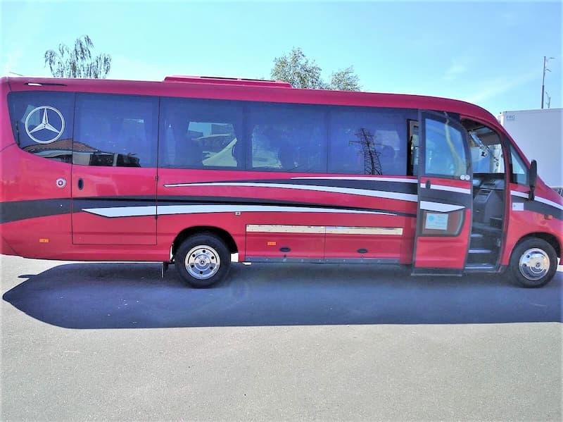 красный автобус 33 места MERCEDES SUNRIDER